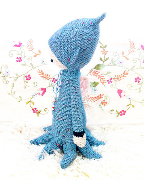 sosuperawesome:  CROCHET PATTERNS for handmade dolls by  lalylala in Munich, Germany.
