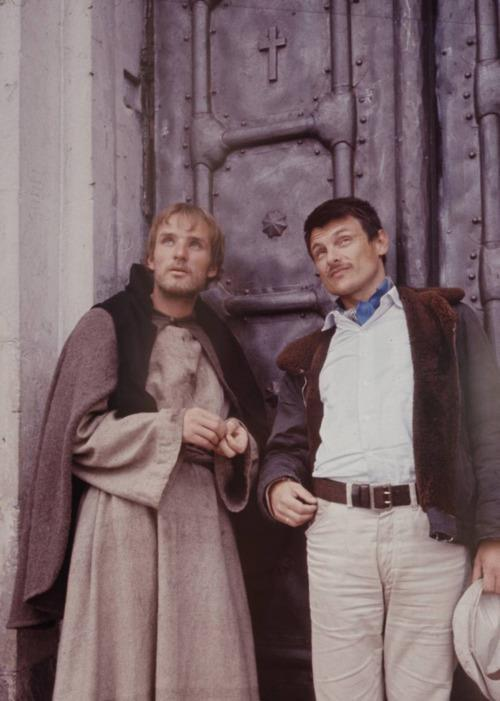 Andrei Tarkovsky and Anatoliy Solonitsyn on the set of Andrey Rublyov / Andrei Rublev (1966)