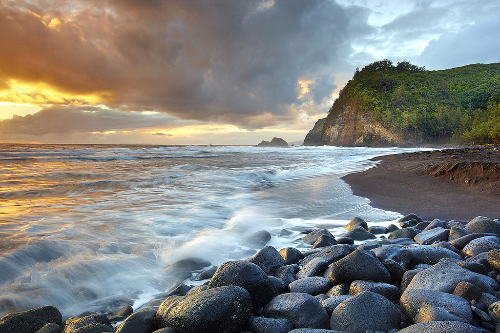 Pololu Valley #1 - Big Island, Hawaii (by PatrickSmithPhotography)