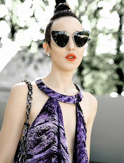 PARIS FASHION WEEK IN THE TUILERIES WITH LINDA FARROW SUNNIES :)