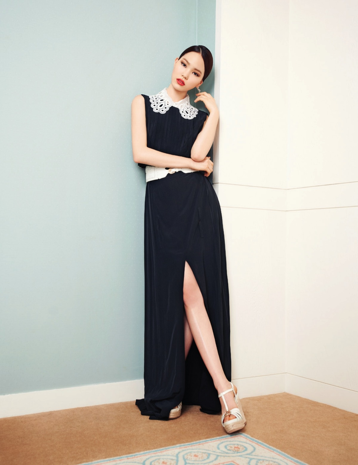 Jin Jung Sun Photographed by Ahn Jooyoung for Harper's Bazaar Korea May 2012