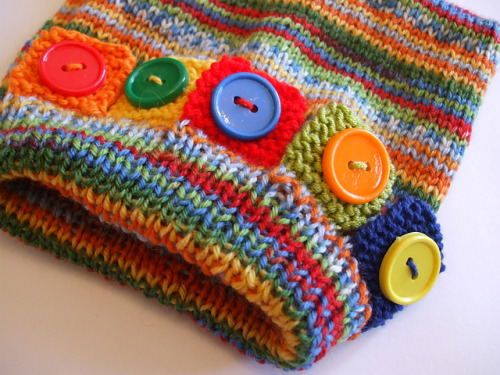 janeterzzadesigns:  Sam's Button Hat