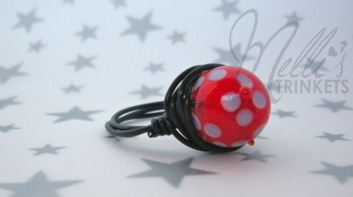 Monday's featured item of the day: Bumpy flowers ring! Get it HERE! And Happy Labor today! Today only, buy two items get one free on all items in the store!!!! Hurry and get your favorite pieces!