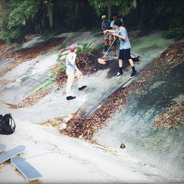 Team work.  @noahdd @a_haters_hater @billygriffin @wes_coast #skateboarding #diy #savannah #georgia  (Taken with Instagram)