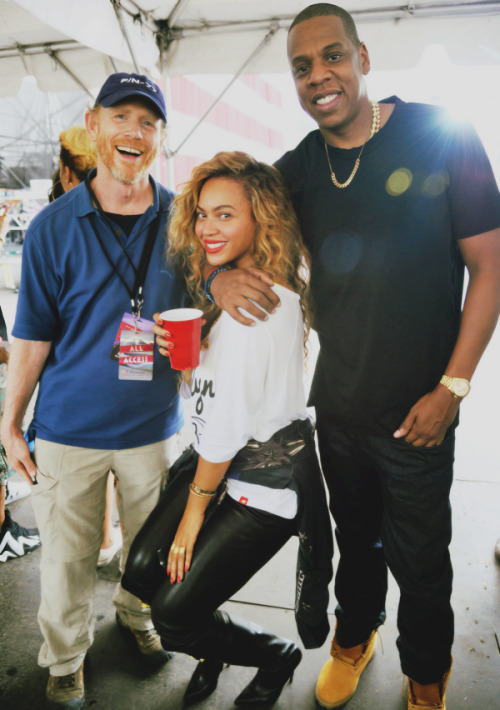 "fuckyeahbeyonceminaj:  Beyoncé & Jay-z at ""Made In America"" Festival. (9-2-12) (2)"