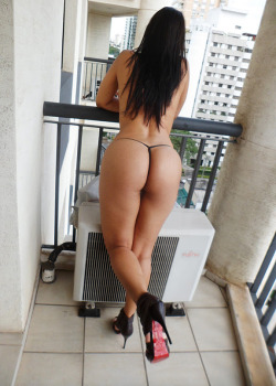 Juliana - hotel balcony