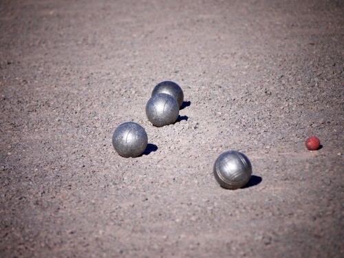 dereremit:  Boules as seen in front of the Palace of Karlsruhe on April 1st, 2012 and slightly edited via GIMP.