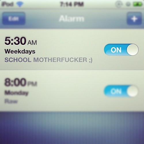 Can't believe I'm turning this on again #alarm #early #screenshot #backtoschool #wakeup #sleep #ipod #on #time (Taken with Instagram)