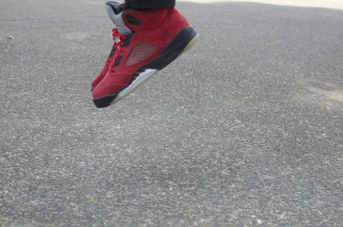 "dopefreshkicks:  Toro Bravo Fives. ""raging bulls"" http://dopefreshkicks.tumblr.com/"