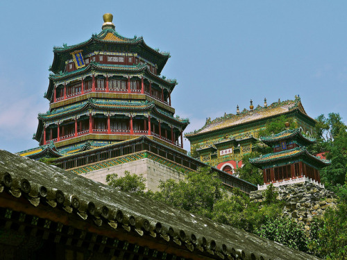 visitheworld:  The Summer Palace in Beijing, China (by AkheL).