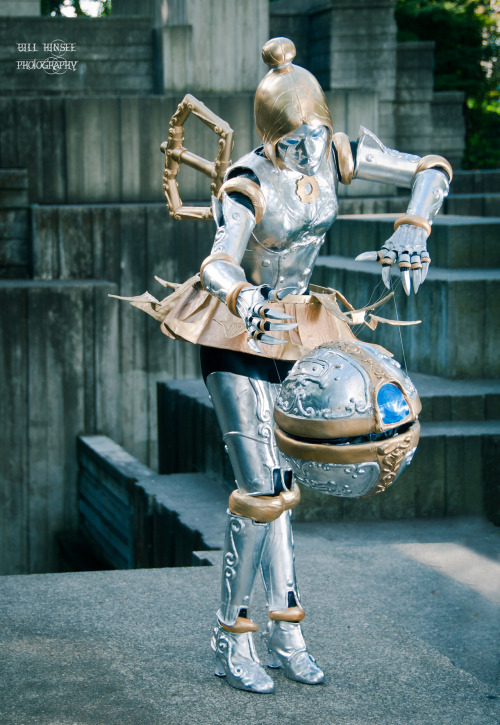 cosplayblog:  Submission Time! Orianna from League of Legends  Cosplayer: BrittanyPhotographer & Submitter: Bill Hinsee