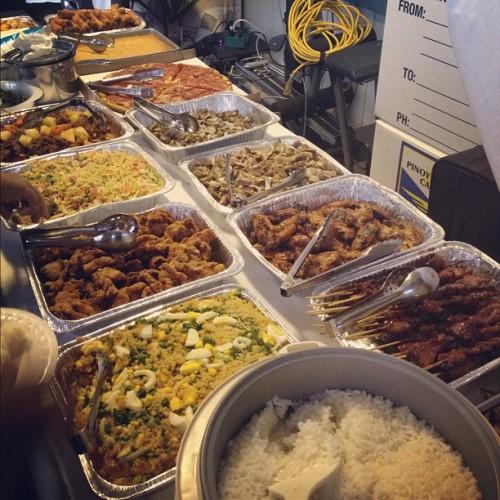 Filipino that's why. @alohaitsash #instahi #filipino #foodporn #onolicious #kanakattack #brokedamouth  (Taken with Instagram at Kamehameha Shopping Center)