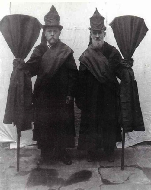 rrosehobart:  victorian professional mourners : retronaut.co