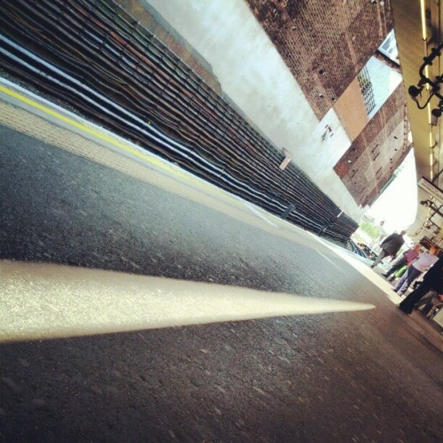 #London #finchleyroad #platform #instalondon #instadaily #instadaily  (Taken with Instagram)