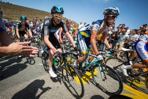 Scenes from the Vuelta's first week  Chris Froome threads the gauntlet of fans over the Cat. 1 Puerto de Orduña. Photo: BrakeThrough Media | VeloNews.com