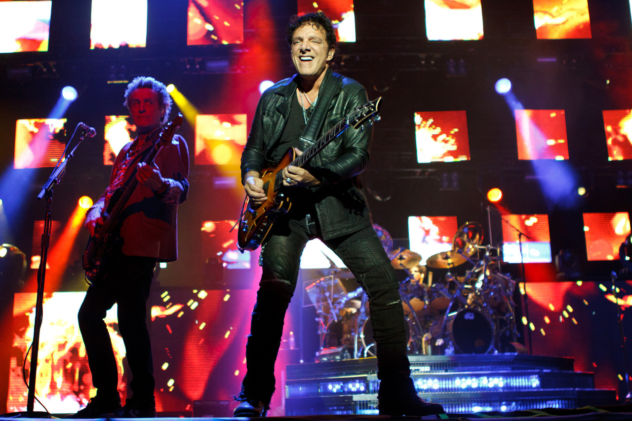 [Gallery] Journey at the Minnesota State Fair.