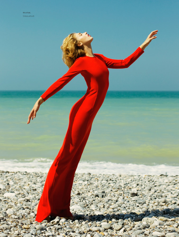 modelinia:  Red Hot - Adeline Jouan for SnC Magazine