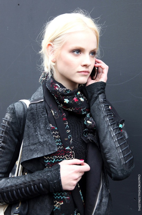 lip-bitter:  on-thestreets:  Ginta Lapina  STREET STYLE BLOG | CLASSY AND FABULOUS POSTS