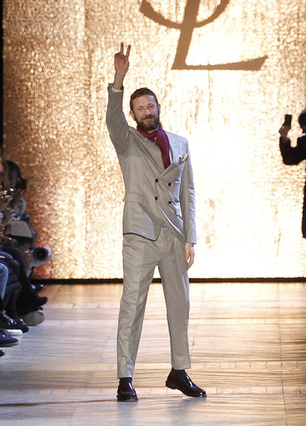 Fashion News: Ermenegildo Zegna Picks Up Stefano Pilati As confirmed this morning by WWD, Stefano Pilati is taking over the creative reigns at Ermenegildo Zegna, overseeing the house's men's and women's collections starting January 1st of next year. The former YSL frontman will show his first menswear collection during the Spring 2014 Milan shows next June.