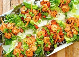 Spicy Asian Shrimp Lettuce Cups with Sriracha Just stumbled on this awesome looking recipe and had to share it before the weather started getting cooler. Sure, Labor Day may have officially marked the end of summer, but who says we have to be official? Viva la Sriracha!  Recipe: Spicy Asian Shrimp Lettuce Cups with Sriracha (From BevCooks.com, via Tablespoon.com)