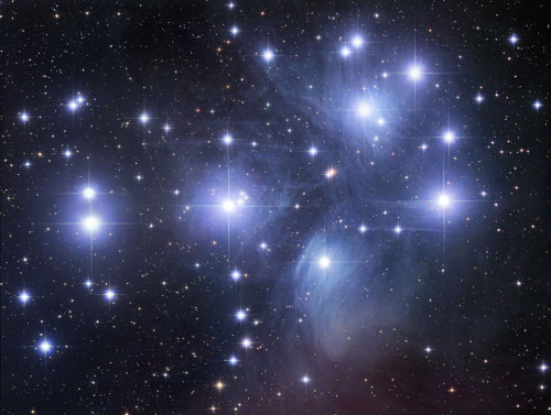 "(via APOD: 2012 September 3 - M45: The Pleiades Star Cluster) Image Credit & Copyright: Robert Gendler The Pleiades (M45) open star cluster is frequently referred to as the ""Seven Sisters"", but this shot clearly shows that the ""seven"" are only the brightest stars. There are, in fact, over 3000 stars in the Pleiades cluster, some of which are, yes, brown dwarfs, but others are just hard to see with the naked eye, especially with the very bright stars around them. You can also see the neat reflection nebulae around the biggest and brightest stars."