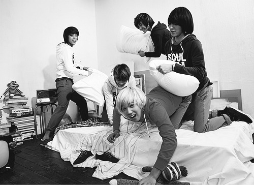 Hongki, Jonghun… what the actual fuck are you doing there