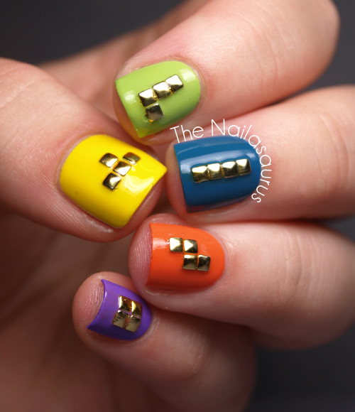 nailsbyveryemily:  thenailasaurus:  The Nailasaurus: Polish Days Geometry  these are simply brilliant!!!