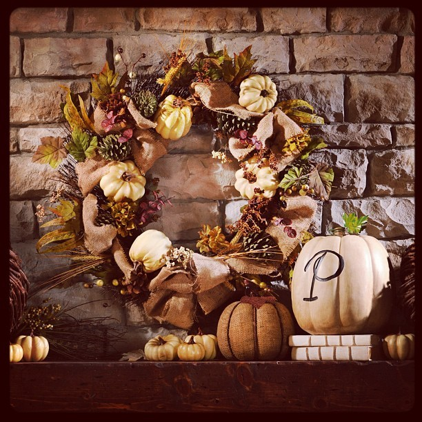 Decorate you mantle in style with natural colors for fall!