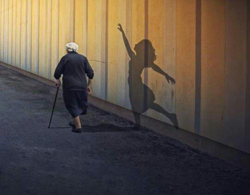 A friend posted this on FB ..I like to call it: 'Grandma's Shadow' I don't know what it's actually called or where it originated [I know what's new -.-] but I love it.. Sometimes cuz of the gleam in some elderly stranger's eye, or the bit of youthful mischief some seem to never loose w/age.. I look at them like this.. I don't know them, maybe just passed them by on the street, but every so often there's something in the glimpse of a total stranger. Someone I may speak to, or see again in my life, but there's striking and beautiful in those few seconds.. and I feel like I've gotten to know something special about them..even if I don't know what..heeh yyyyeah makin a whole heck of a lot of sense dere i'm sure oii.. Anyway nuff of my gobbltygook.. when I saw this I not only thought of all that stuff I just wrote, but alllllso how I'd like to be how I'm seen when I'm older.. cept that rather than something beautiful and fluid my shadow would undoubtedly being dancing something more awkward..klumsy..possibly w/some chickenlike influences..and of course HELLA SEXY! >;p