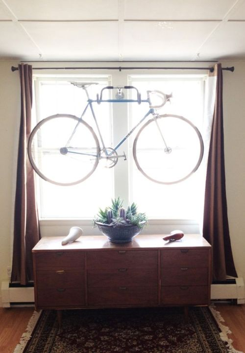 cjwho:  DIY wall bike hanger made from old bike parts  oh man, Dad would flip for this (mom would kill me)