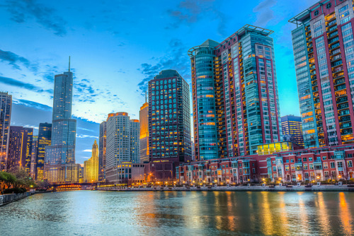 Streeterville Side by clarsonx on Flickr.