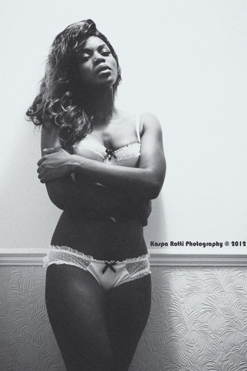 thelingerieaddict:  Yay for black women in lingerie on my dash.