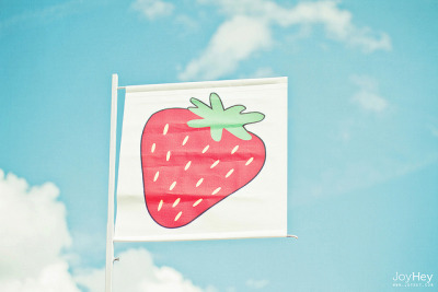 Strawberry Sky by JoyHey on Flickr.