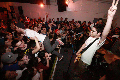 gracioussouls:  moshed—brotatoes:  Man Overboard