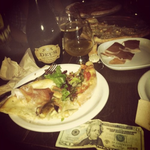 $20 & pizza with Deus champagne beer #moneyfood http://moneyfood.tumblr.com #pizza #beer #champagne  (Taken with Instagram at Blind Lady Ale House)
