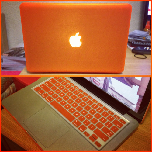 My new neon orange laptop case and key cover! I love it! :)