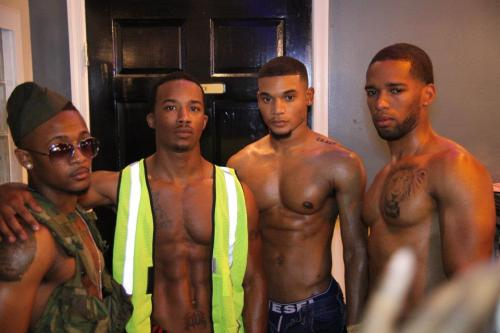 marcuzjones:  missinglinc:  Hmmm ;-)  I'd have two of them  I would take them all
