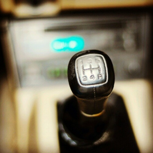 Day4. My shift knob shows wear leaving no doubts that its DD. #jdmphotoaday #NIKON #nofilter #D80 #50mm #Car #Carporn #Honda #hondafetish #Accord #3geez  (Taken with Instagram)