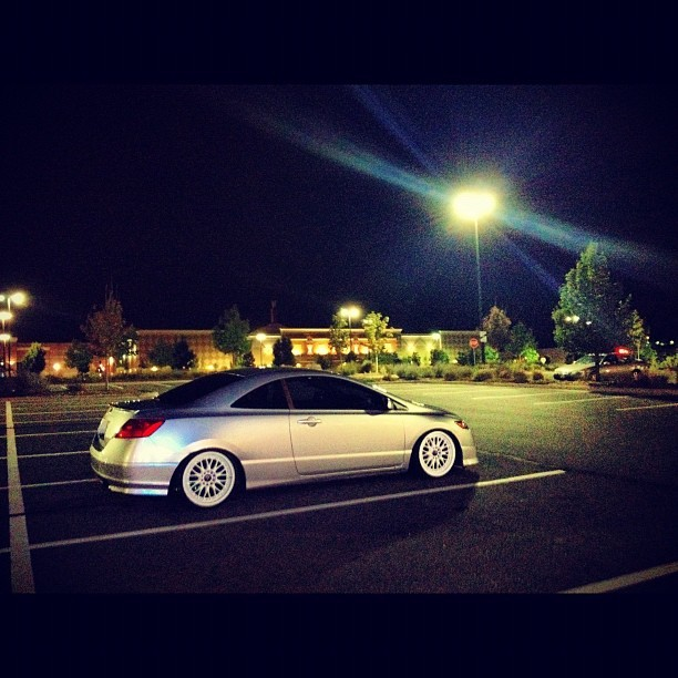 Night time #slammed #stanced #stretched #fitment #honda #civic  (Taken with Instagram)