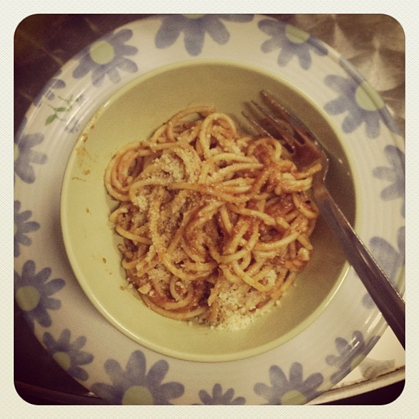 Thanx E for Yummy Spaghetti.. 🍝😝. #spaghetti #noodle #dinner #dine #foods #food #taste #instafood #instashot #snapshot #fork #spice #italian #spanish #cheese #mozzarella #kl #luct #hostel #cook #fun #hangout  (Taken with Instagram at LUCT Hostel On Campus New)
