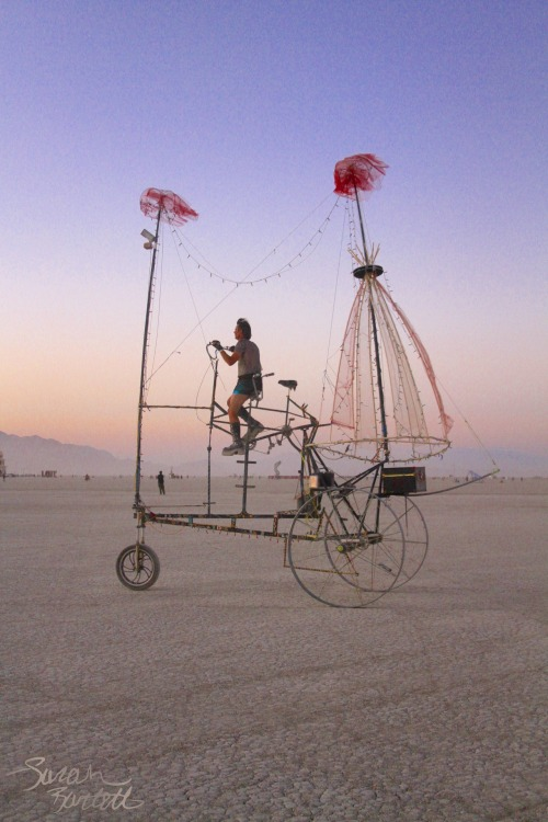 Greatly awesome tall-bike of sorts on the Playa. Photography by NaturePunk.
