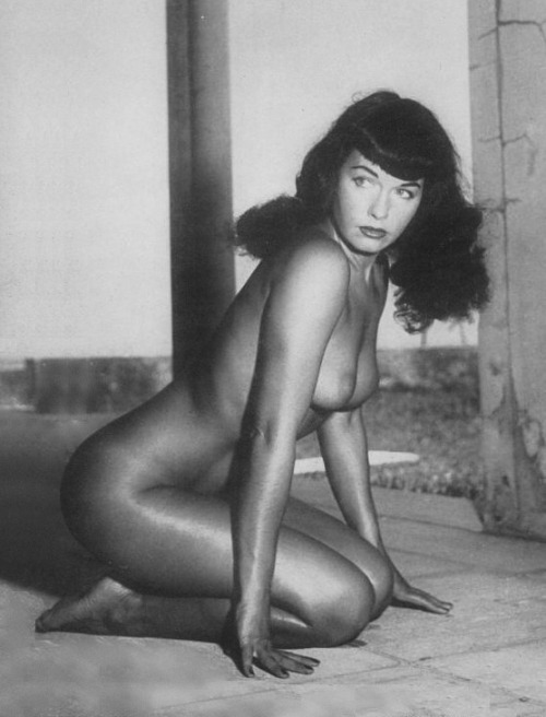 curvyswervydames:  Bettie Page. Florida was good to Bettie; look at that tan!  Uhhh, I think my brain just broke…