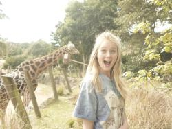 m-uerte:  Found a picture of me and a giraffe, what ever