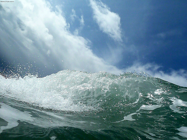 Wave and Sky<:::::::::::::::::::::::::: by Hakahonu<::::::::::::::::::::::::::::::::::::: on Flickr.