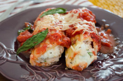 foodfuckery:  Parmesan Chicken Manicotti Recipe