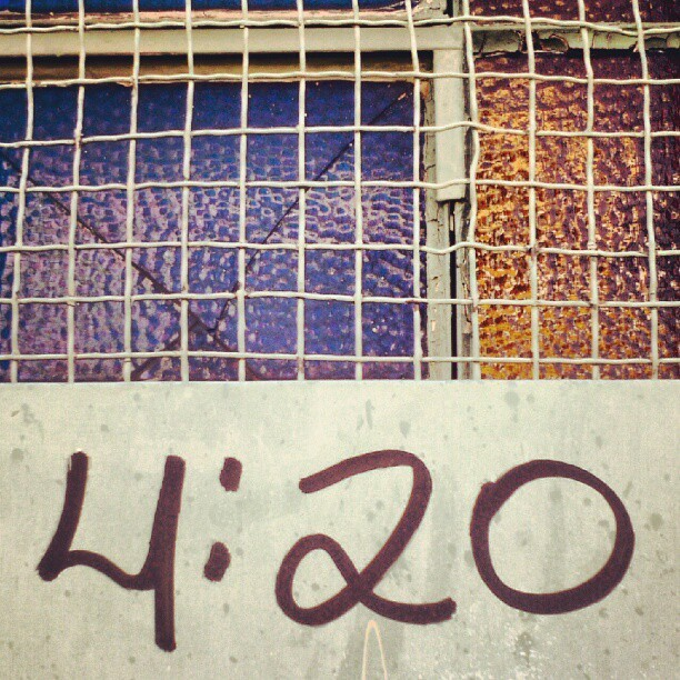 #type #typography #handwritten #4:20 #grid #glass #blue #yellow #urban #urbanexploration #decay #spraypaint #graffiti #metal #zinc #window (Publicado com o Instagram)