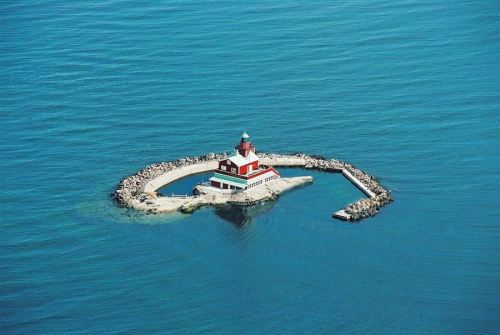 ckck:  For sale: Dämman lighthouse in southern Sweden. Asking price: 19 million Swedish crowns (about 2.8 million U.S. dollars). Comes with two boats and a helicopter pad. More photos can be viewed here. The perfect home base for hunting the jaguar shark that killed your partner.