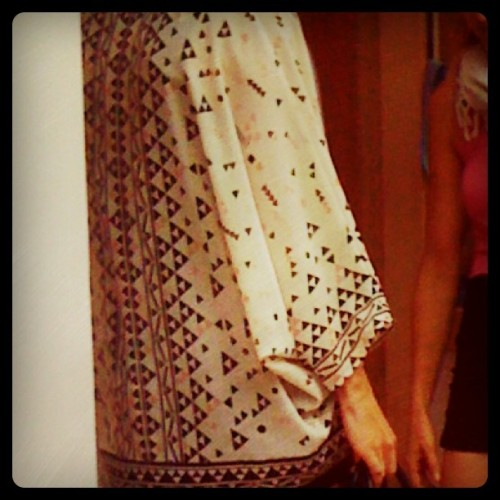 Geometric inspiration top spotted in Soho! #shopping #fashion #style #street #moda #mode #print #surface #textile #geometricinspiration #whatinspiresme #patternhunter #patternhuntress #NewYork #Soho #PatternHuntress.com (Taken with Instagram)