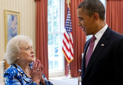 People On The Internet Want Betty White To Speak At The DNC You see, Betty was one of the legions of celebrity Barack-Obama supports back in 2008, and she remains a vocal supporter of the POTUS heading into the 2012 election.And, after the whole Clint Eastwood cameo at the Republican National Convention (with his empty chair/imaginary Obama sidekick), some people think the 90-year-old actress should address the Dems.There's even an online petition!