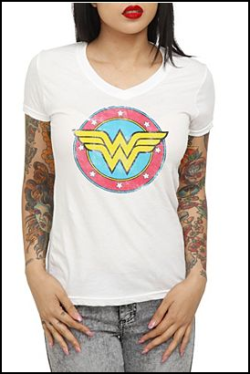 DC COMICS WONDER WOMAN CIRCLE LOGO V-NECK GIRLS T-SHIRT at hottopic.com This white V-neck features Wonder Woman's insignia with a clear sparkle effect. All you need now are some gold wristcuffs! L 9-11 XL 11-13 XXL 13-15 3XL 15-17 L/XL $22.50, XXL $24.50, 3XL $26.50